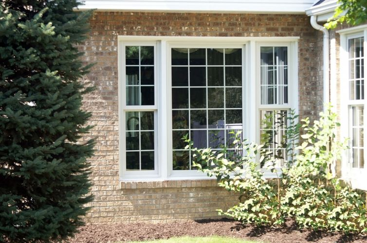 double-hung-picture-window-exterior-grids