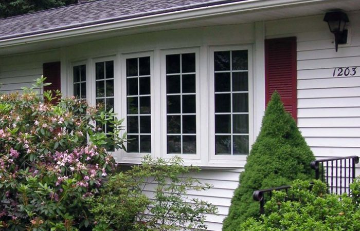 5-lite-bow-window-front-of-house-2